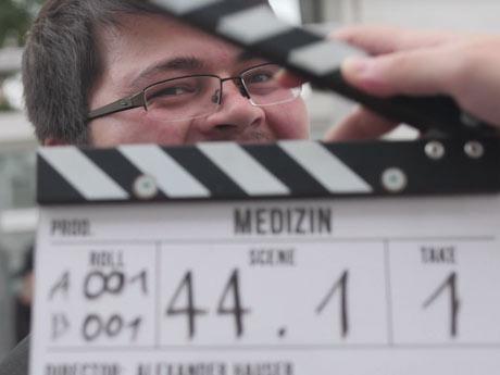 """Kurzfilm Veröffentlichung """"Enough"""" und Dreharbeiten zu """"Medizin"""""""